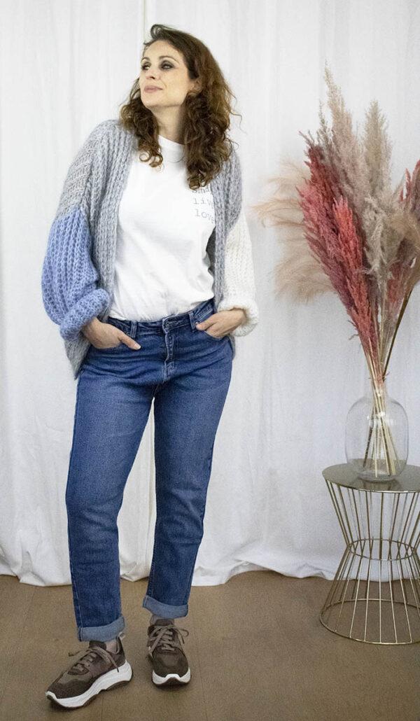 Grijze colorblock cardigan mum jeans