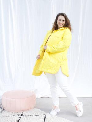 Knitwear jeans jassen sneakers dameskleding online fashion boutique